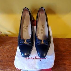💯👠Authentic Lady Salvatore Ferragamo in Blue